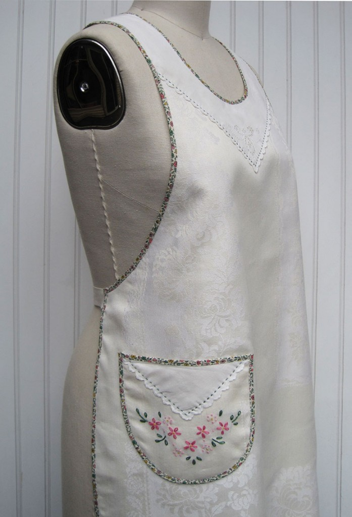 1920s-Damask-Embroidered-Apron-side
