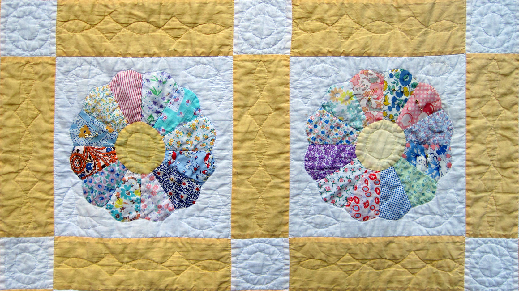 Vintage Dresden Plate Quilt – Q is for Quilter : dresden plate quilt template - Adamdwight.com