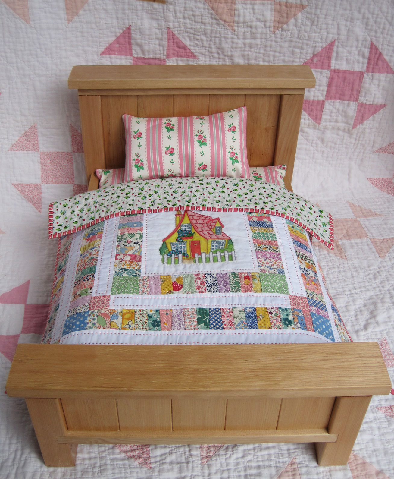 Farmhouse Doll Bed and Quilt – Q is for Quilter : doll quilt patterns - Adamdwight.com