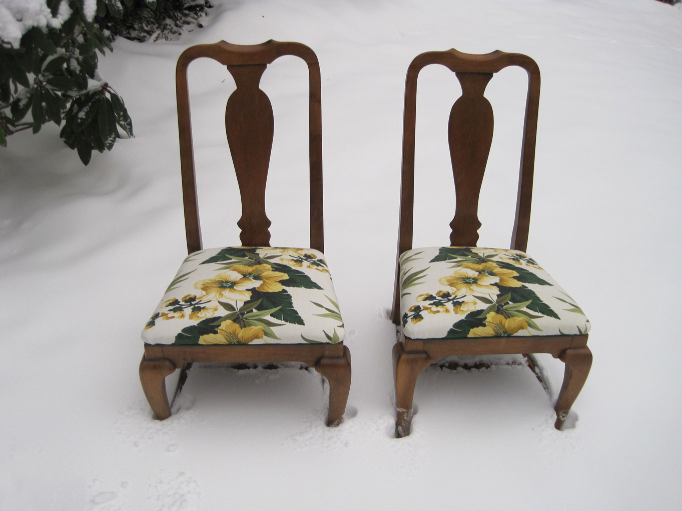 Q is for Quilter » Blog Archive » Recovered Dining Room Chairs