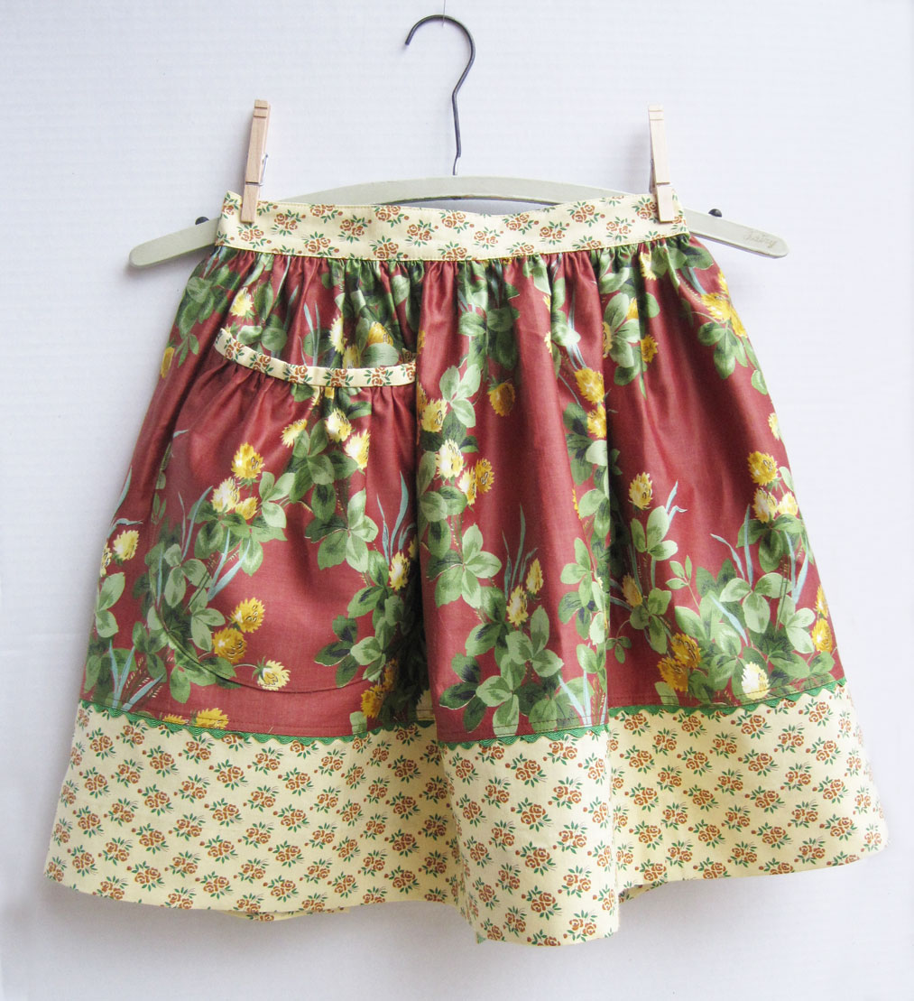 Big Pocket Aprons – Vintage Clover Chintz and Floral