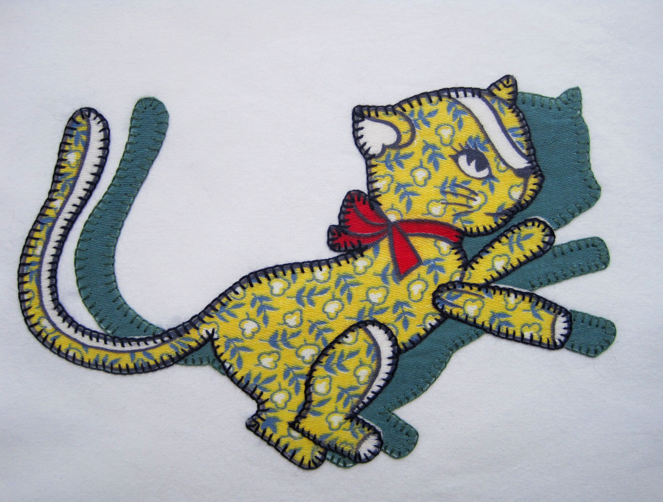 Shadow-Animal-Quilt-cat