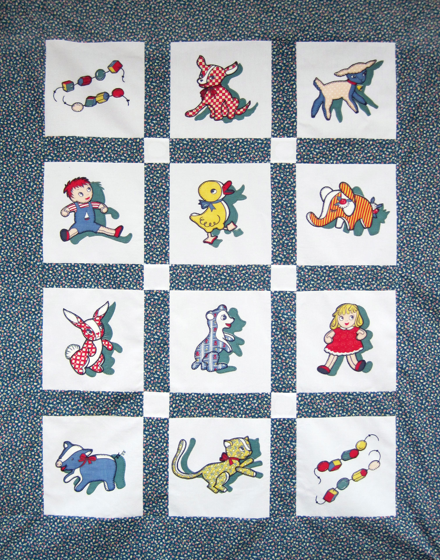 Appliqued Baby Quilt Vintage Novelty Toy Fabric Q Is For Quilter