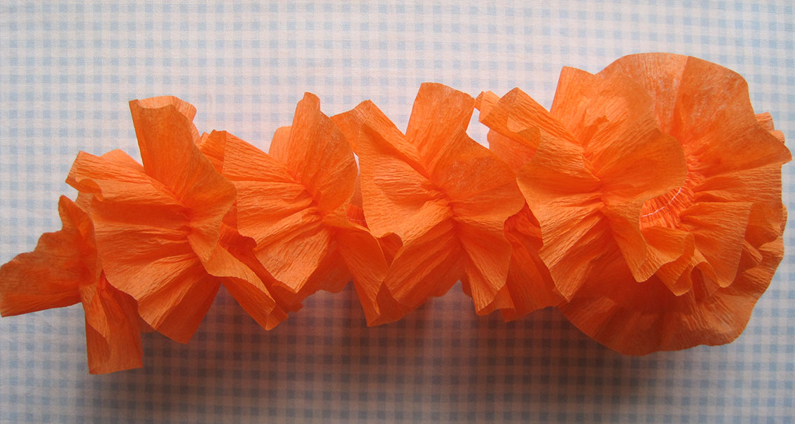 Crepe paper flowers using streamers and a ruffler foot tutorial carnation mightylinksfo