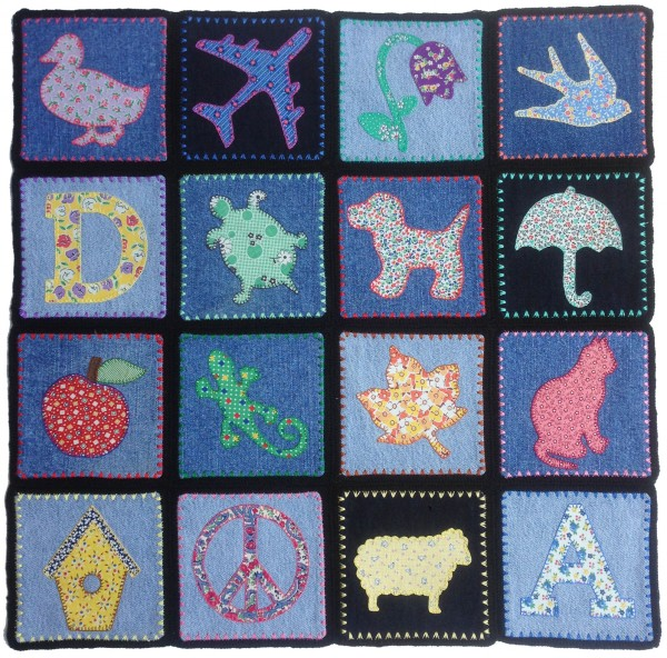 denim-applique-quilt-16-blocks-front