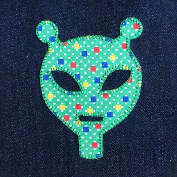 denim-applique-quilt-alien