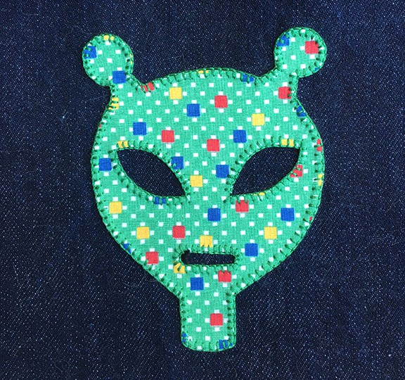 denim-applique-quilt-alien