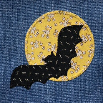 denim-applique-quilt-bat