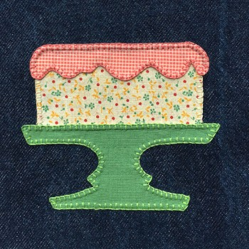 denim-applique-quilt-cake