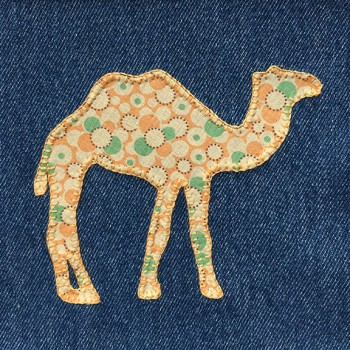 denim-applique-quilt-camel