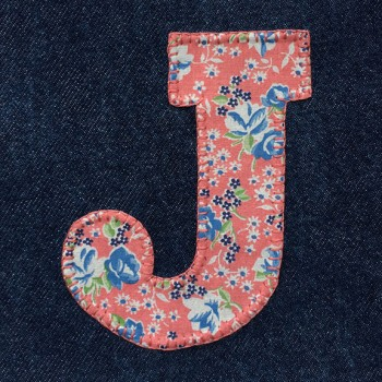 denim-applique-quilt-letter-J