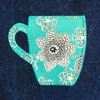 denim-applique-quilt-mug