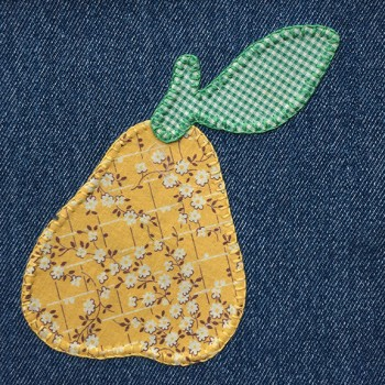denim-applique-quilt-pear