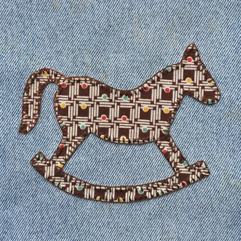 denim-applique-quilt-rocking-horse
