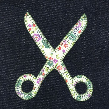 denim-applique-quilt-scissors