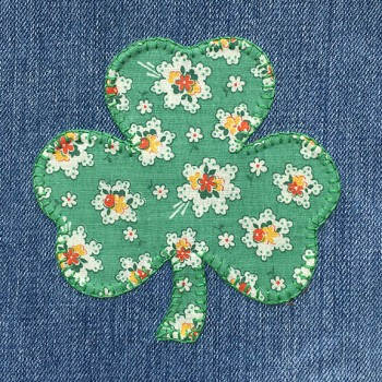 denim-applique-quilt-shamrock