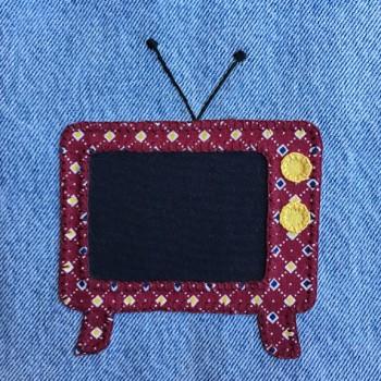 denim-applique-quilt-television