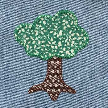 denim-applique-quilt-tree